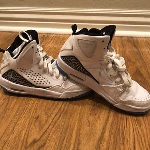 Like new Nike Air Jordan FLIGHT shoes size 6.5Y